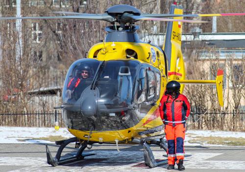 Helikopter medyczny i pilot