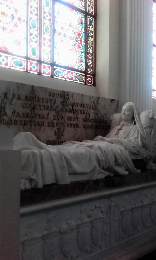 Zofia z Czartoryskich Zamoyska -kopia jej nagrobka w kaplicy pałacowej w Kozłówce